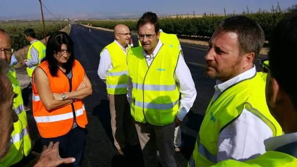 José Luis Soro visita las obras en la A-220