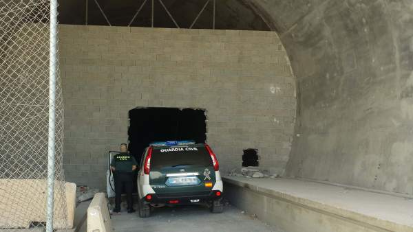 Tuneles tapiados del AVE a la altura de Sorbas