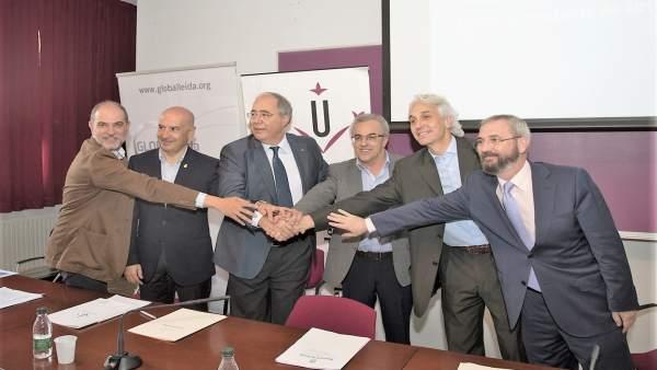 Firma del convenio entre Globalleida y la UdL