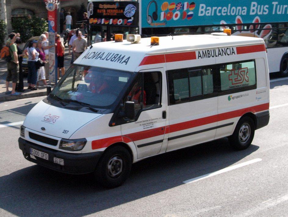 C mo debemos ceder el paso a los veh culos de emergencia - Como saber si un coche tiene cargas ...