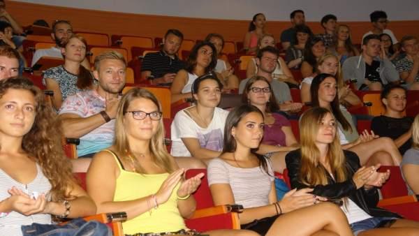 Alumnos Erasmus en la presentación en la UHU
