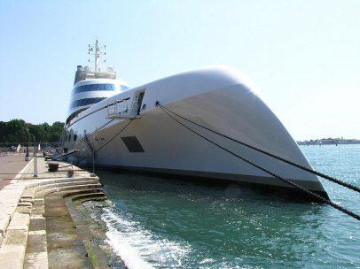 El super yate 'A' Hamilton en Venecia