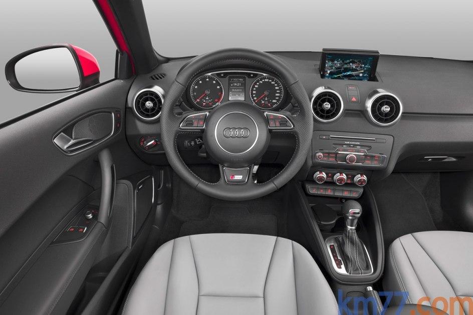 El A1 está disponible con cinco niveles de equipamiento: Attraction, Attracted, Adrenalin, Active Kit, Design y Adrenalin 2.