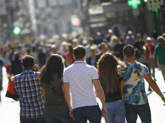 Aumentan los adolescentes sin conocimientos básicos sobre economía en España: son el 25%