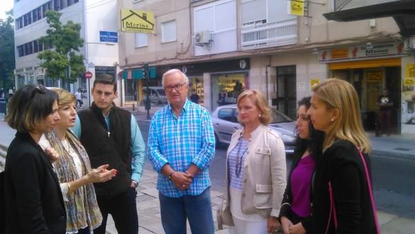 Reunión del PP con comerciantes del barrio granadino de la Chana
