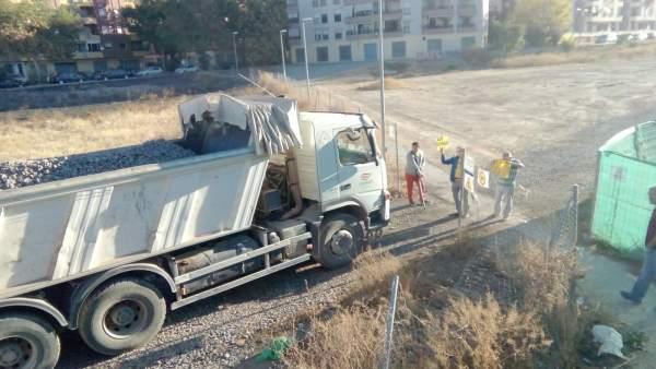 Vecinos han cortado las obras del AVE en Granada