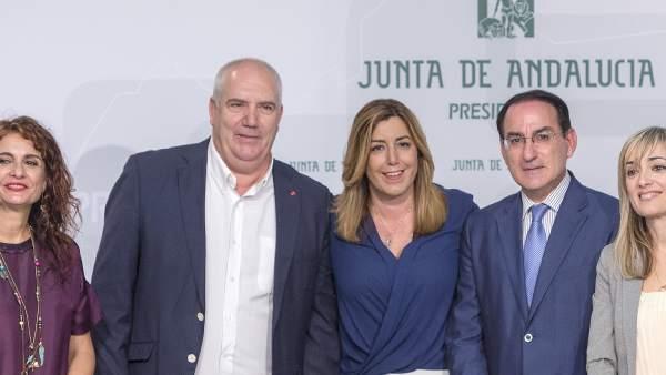 Firma del acuerdo de inclusión de cláusulas sociales y medioambientales