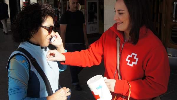 Cuestación Día de la Banderita de Cruz Roja