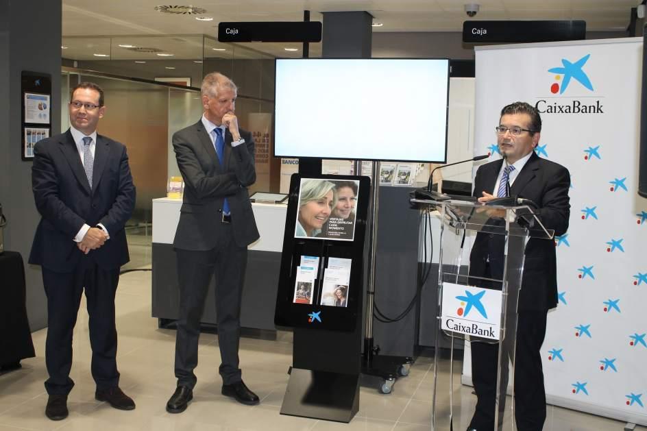 Caixabank abre la segunda oficina digitalizada de canarias for Oficina empleo canarias