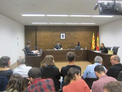 Vista sobre a apertura del Ayuntamiento de Badalona el 12 de octubre.
