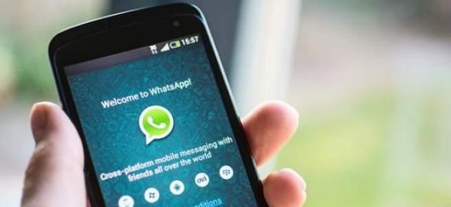 Pantalla de móvil con whatsappc