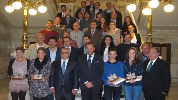 Foto con los olímpicos vallisoletanos que han asistido a la presentación