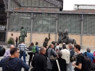 Estatua de Franco a caballo decapitada