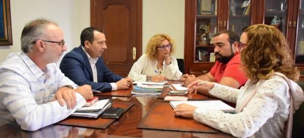 Reunión Junta y Ayuntamiento Nerja Edusi ruiz espejo arrabal