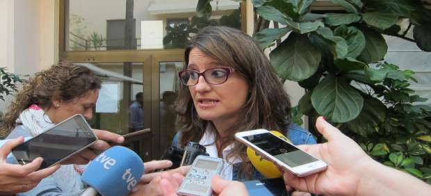 """Oltra al PSOE: """"Vorà el que fa, però si facilita la investidura de Rajoy, en este pecat portarem la penitència"""""""