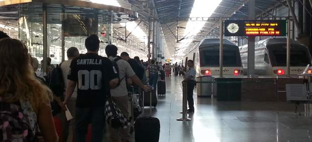 Viajeros, Tren, Renfe, Adif, Turismo, pasajero, turistas, estación