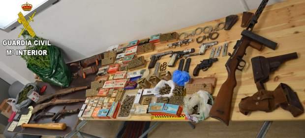 Material intervenido en la Operación Santorum