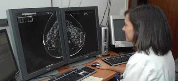 Realización de una mamografía.