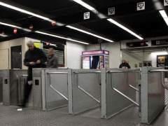 Vestíbulo de la estación de Jaume I de la línea 4 del metro de Barcelona.