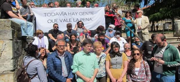 Gabriel De La Mora Llegó En Mayo Acompañado A Los Juzgados