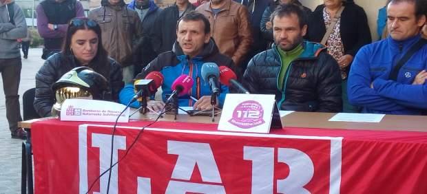Lander Aurrekoetxea e Íñigo Balbás, representantes de LAB en Bomberos