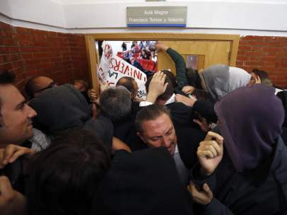 Protesta estudiantil en la Universidad Autónoma contra Felipe González