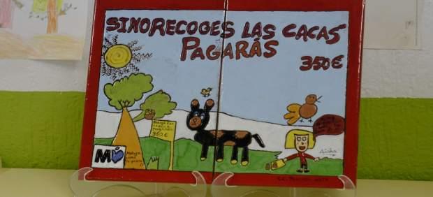 Mosaico realizado por menores alumnos colegio concienciación excrementos perros