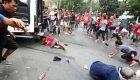 Un furgón policial atropella a varios manifestantes