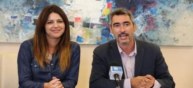 Víctor Navas junto a Irene Díaz, en la reunión para las subvenciones.