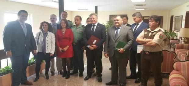 Primo Jurado (centro), durante el encuentro con responsables agrícolas