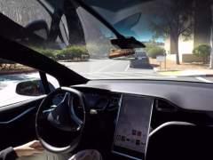 Tesla fabricará este año coches de conducción autónoma y los pondrá en carretera en 2017