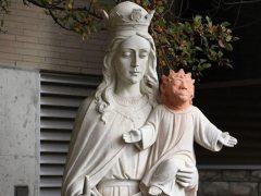 Otra restauración para la polémica: el niño Jesús de Ontario recuerda al Ecce Homo