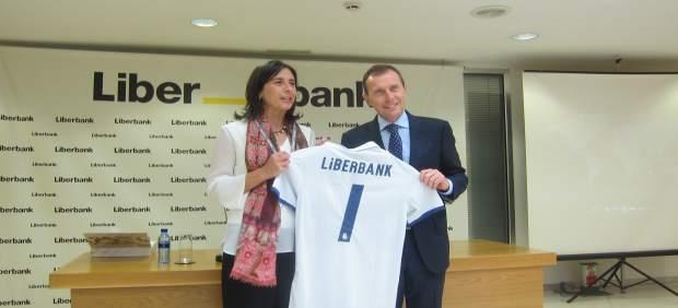 Emilio butrague o renueva en oviedo el convenio de for Oficinas liberbank oviedo