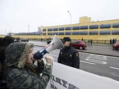 Concentración de apoyo a los internos del CIE de Aluche