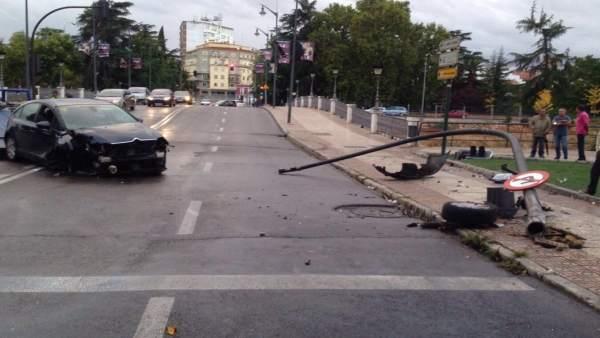 Herido un conductor que dio positivo en el control de for Centro de salud ciudad jardin badajoz