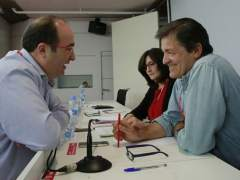 Choque de barones en el PSOE por la abstención en bloque y la presión al PSC