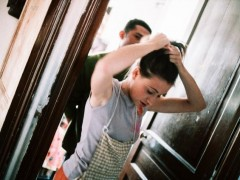 El reparto desigual en las tareas del hogar, germen de la brecha laboral de género en España