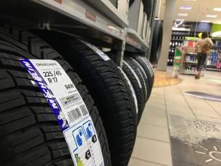 Neumáticos de varios tipos.