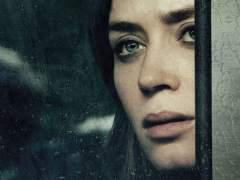 'La chica del tren' tampoco supera a 'Un monstruo viene a verme'