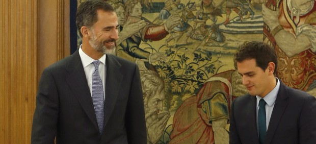 Albert Rivera, con Felipe VI.