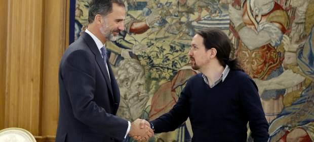 Pablo Iglesias, con Felipe VI.
