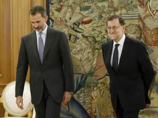 Mariano Rajoy, con Felipe VI
