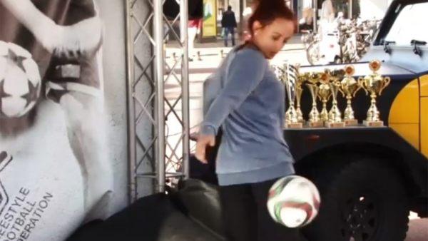 Cuatro acrobacias alucinantes con un balón