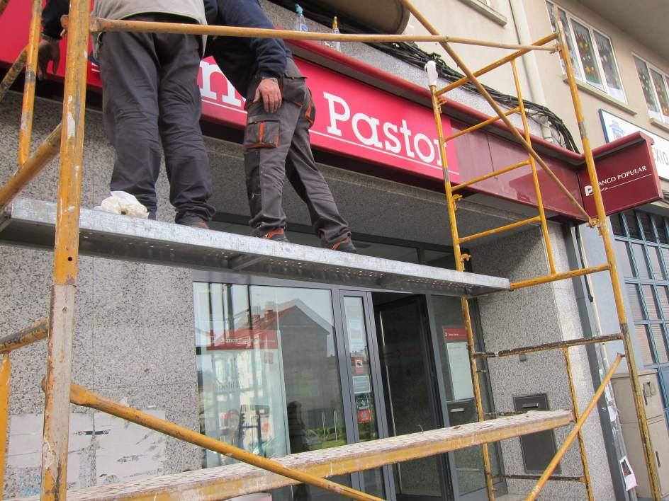 Popular reducir los cierres de oficinas en galicia y no for Sucursales de galicia