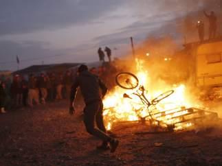 Fuegos en el campamento de Calais