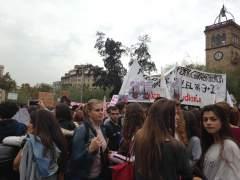 Miles de jóvenes marchan en Barcelona contra la LOMCE y sus reválidas