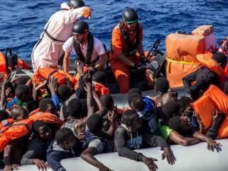 Rescate de Médicos sin Fronteras en el Mediterráneo
