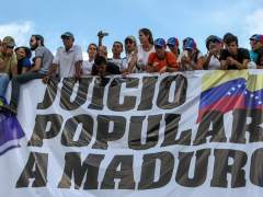 Maduro aumenta un 40 % el salario mínimo