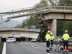 Un muerto tras caerse un puente en Italia