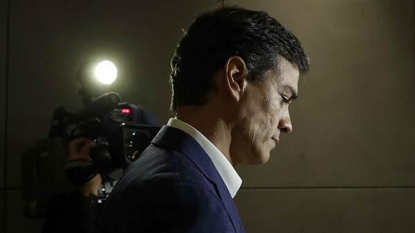 Sánchez renuncia a su escaño